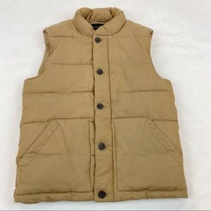 Banana Republic quilted puffer vest sleeveless